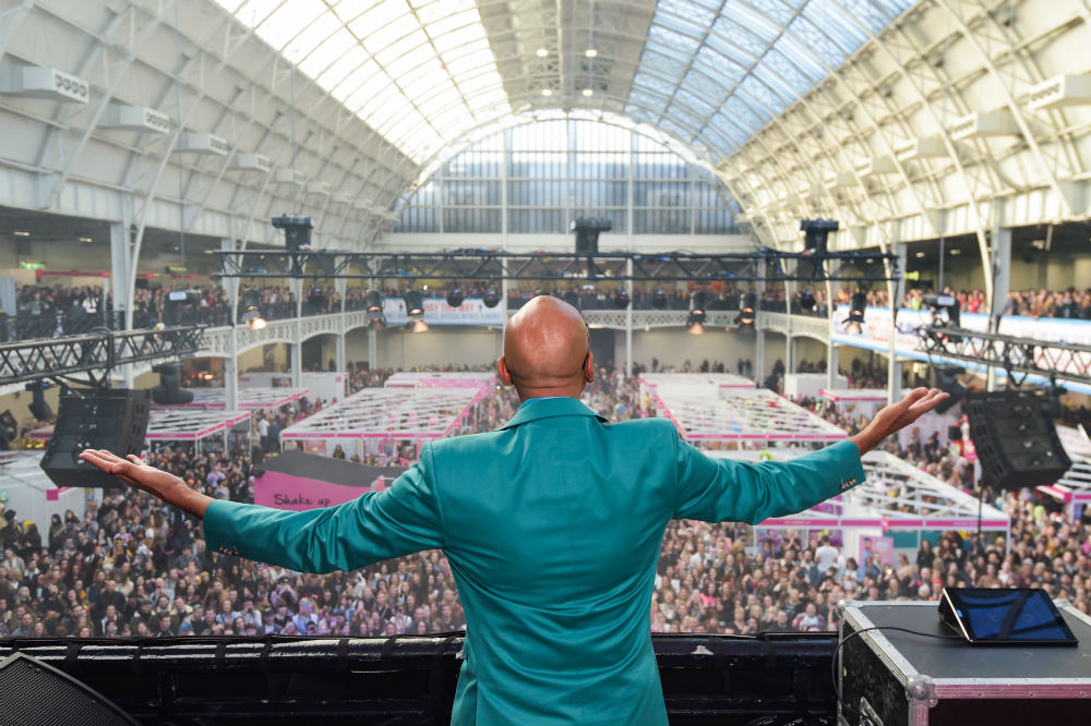 RuPaul performed a DJ set for thousands at DragCon UK 2020