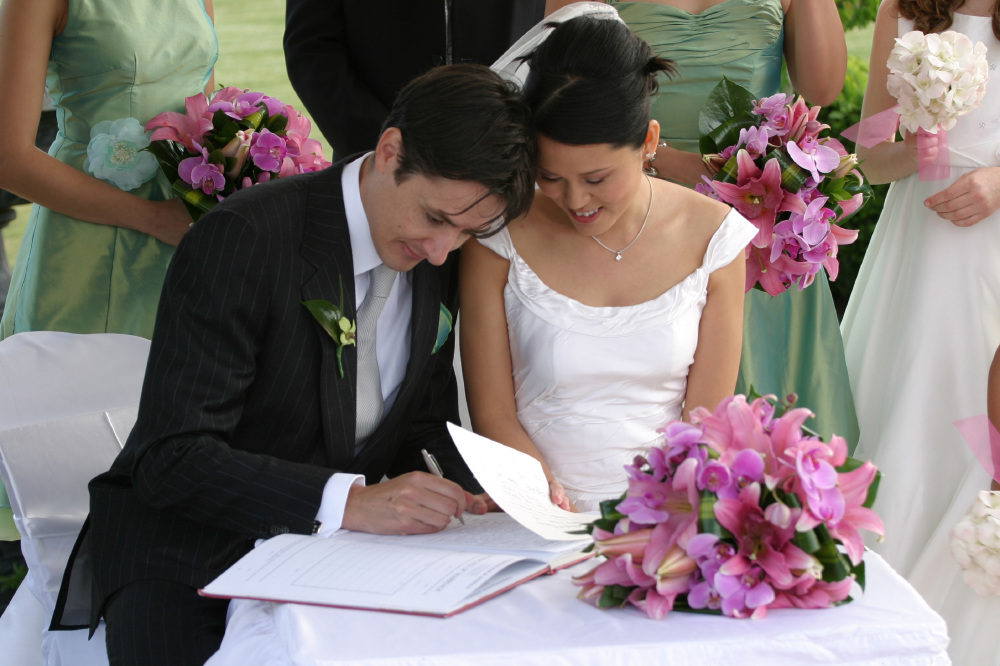 5 Reasons Pens Make Great Gifts For Your Wedding Party And Additions