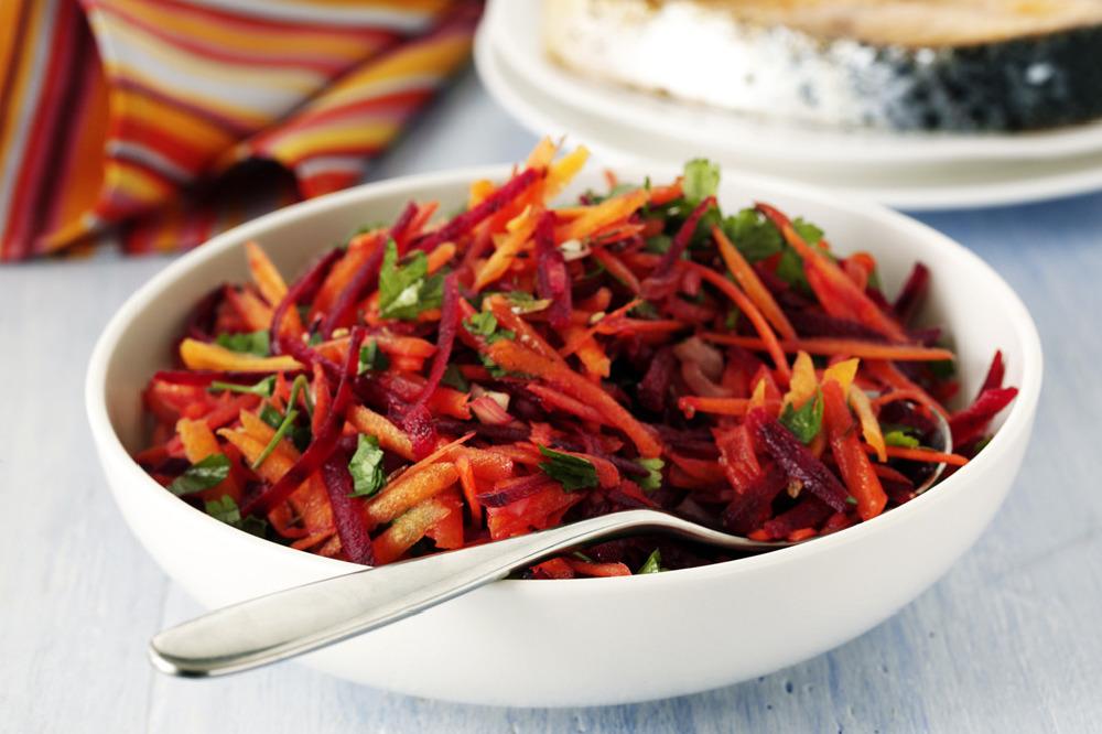 Салат из капусты моркови свеклы и яблока