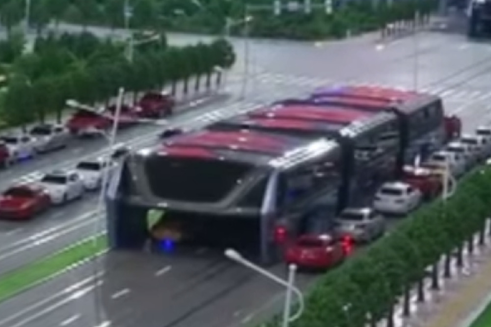 Hoverbus will beat traffic jams?