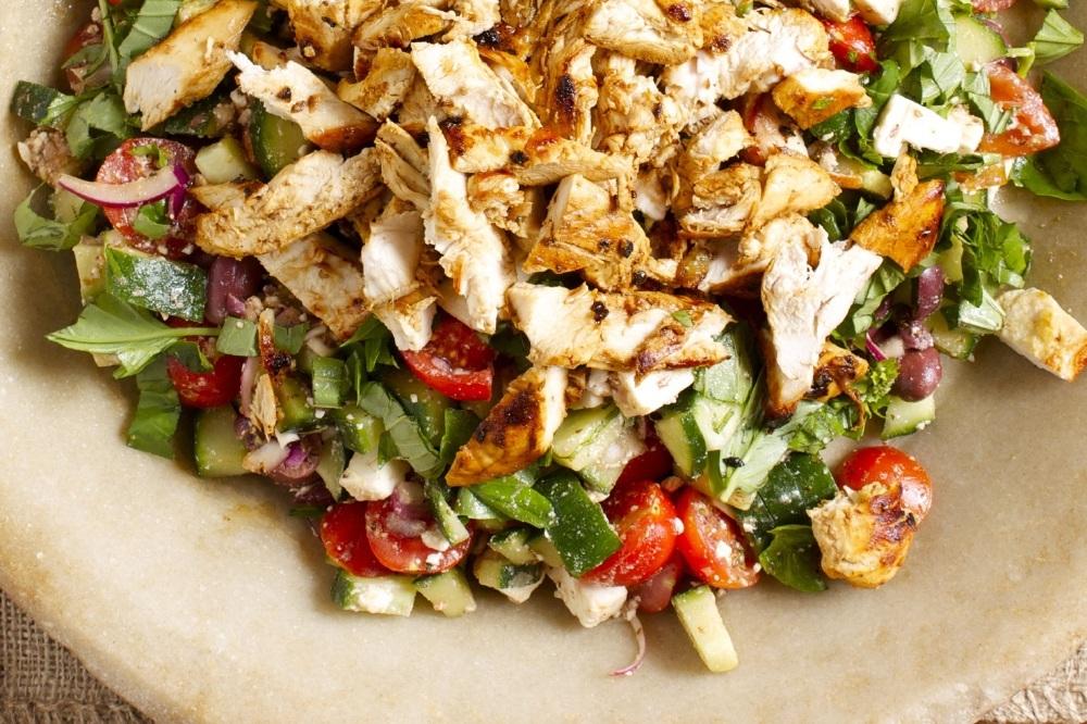 Как сделать салат из копченой грудки