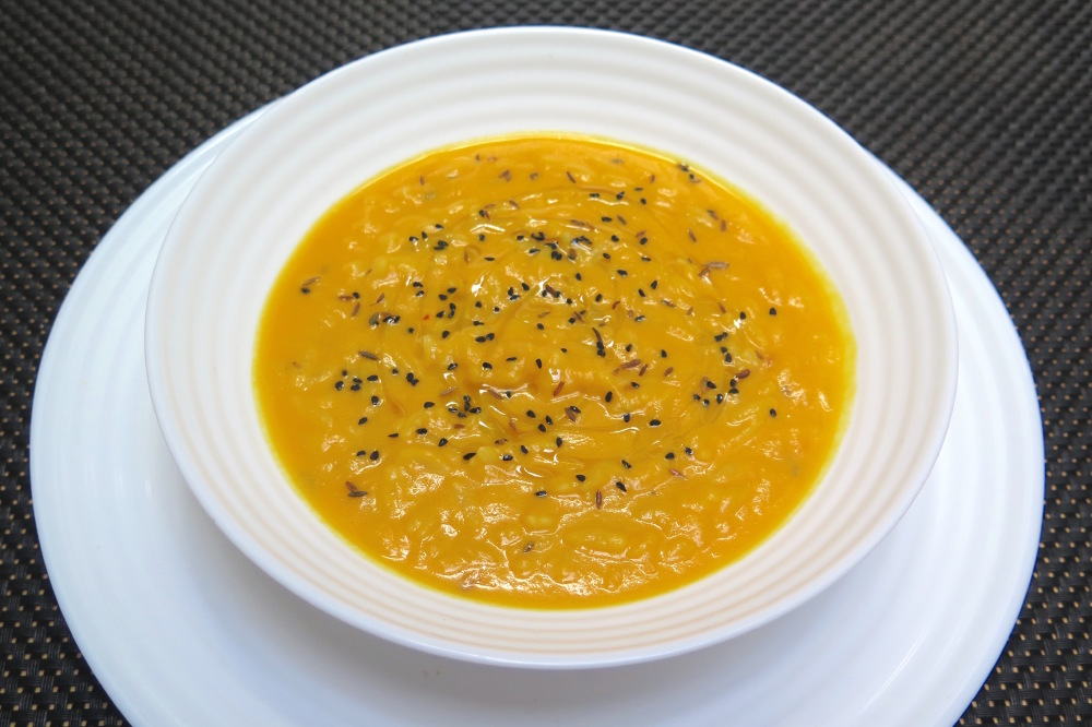 Spicy Orzo and Pumpkin Cream Soup