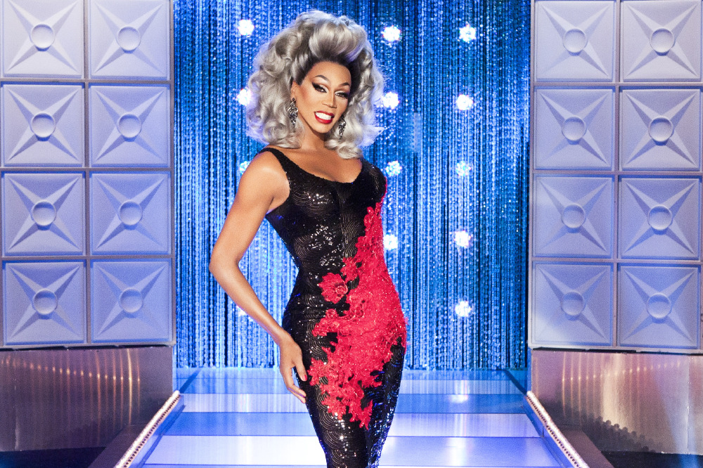 how to watch rupaul drag race online free