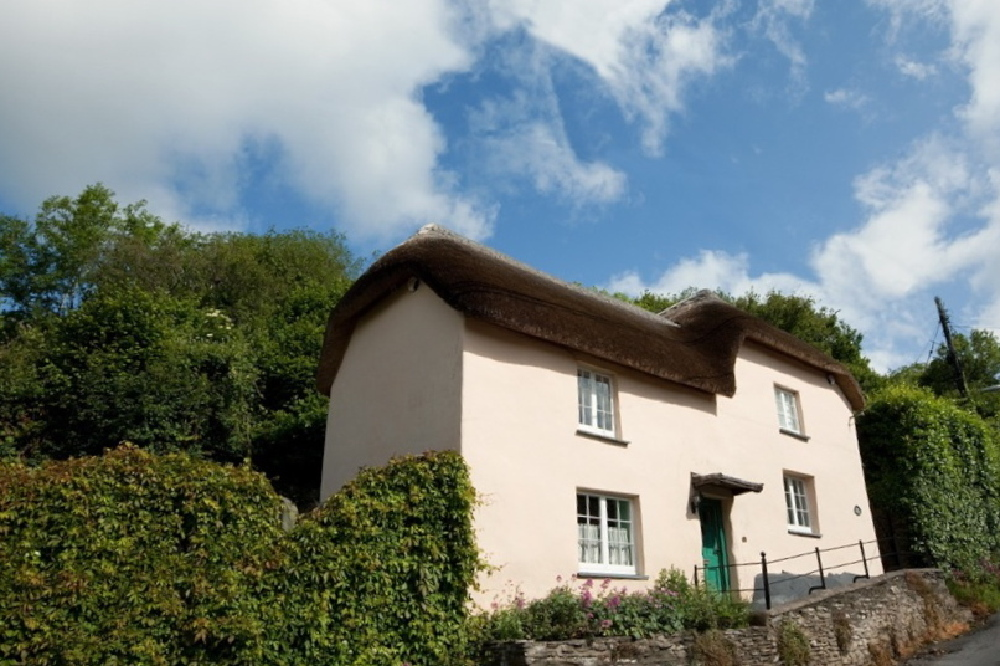6 Of The Best West Country Thatched Holiday Cottages