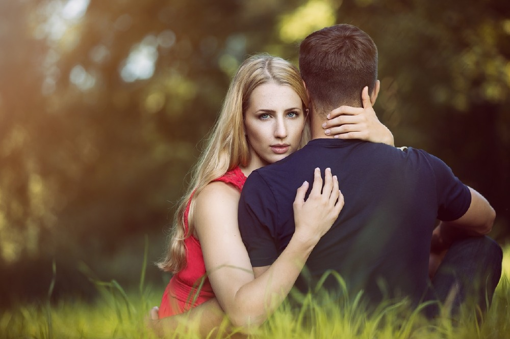 How a man can be romantic to a woman