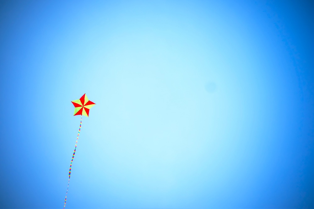 What does it mean when you dream about flying a kite?