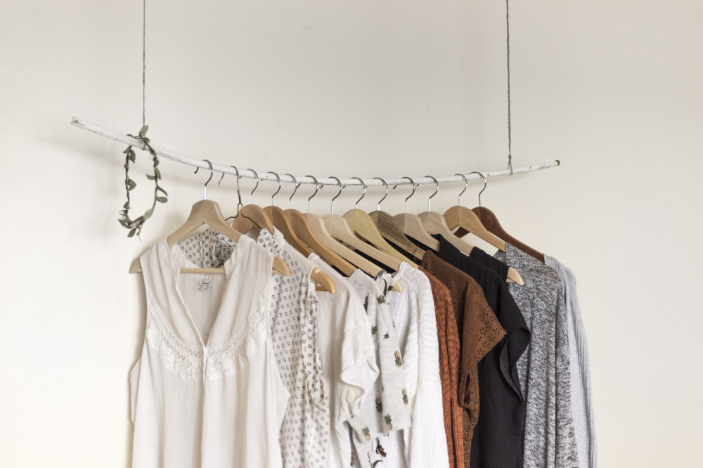 vintage style clothes rail uk, 5 reasons to visit a kilo sale, Design ideen