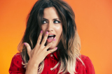 Caroline Flack has gone back to her on-trend hair colour
