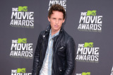 Eddie Redmayne chose a laidback look at the MTV Movie Awards