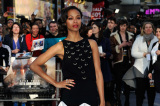 Zoe Saldana looked beautiful in her black-and-white-gown