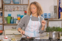 Angela Griffin's Red Pesto Steak with Pasta and Peppers Recipe