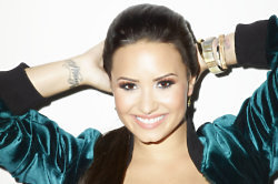 Demi Lovato looks beautiful in the campaign shot
