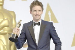 Eddie Redmayne Is Living With His Parents