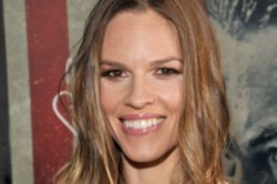 Hilary Swank's holiday trick