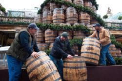 VIDEO: Jack Daniels Build Barrel Tree in Convent Garden