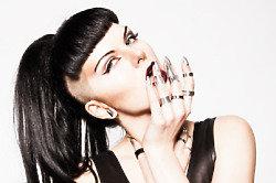 Veronika Vesper - 'Suffocate' - Exclusive Live Session