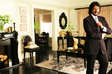 Do you think that a whole home should follow a particular theme or each room should have itu0027s own feel and look? & Laurence Llewelyn-Bowen talks home decorating azcodes.com