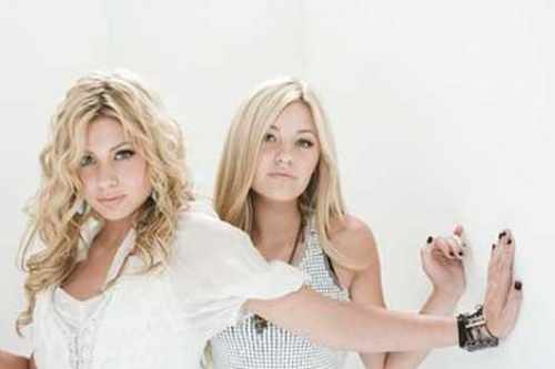 aly and aj age difference in relationship