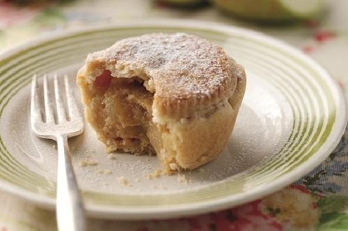 bramley-apple-caramel-pies.jpg