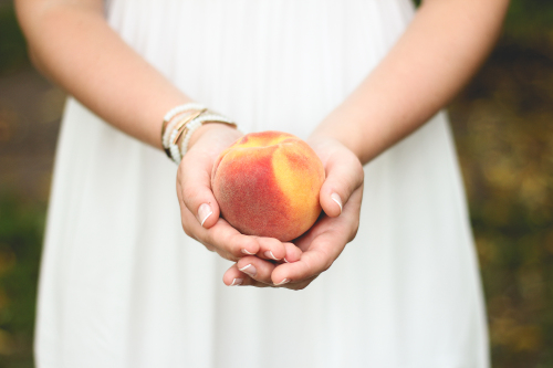We find out what it means to dream about a peach