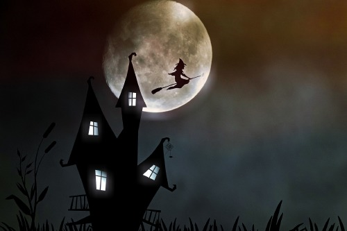 Halloween scene / Photo Credit: Pixabay