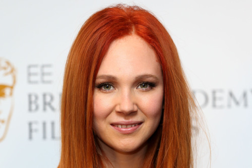 Juno Temple S Red Hair Get The Hairstyle