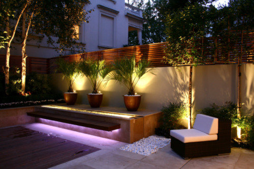 Designing successful small gardens lighting the basic do for Decoration eclairage exterieur