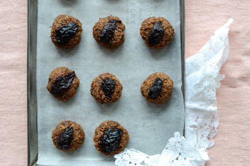 Vegan Prune And Almond Energy Bites