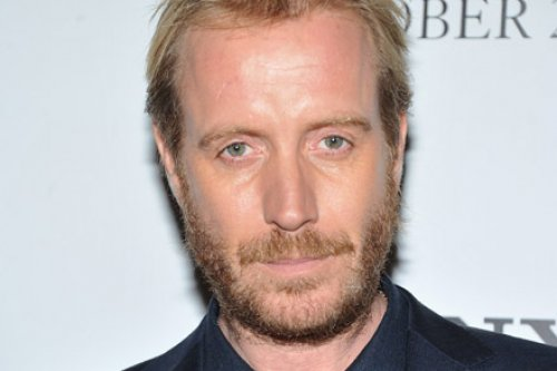 Rhys Ifans Excited For The Amazing Spider Man Andrew Garfield And Emma Stone