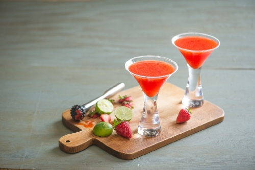 how to make strawberry daiquiri uk