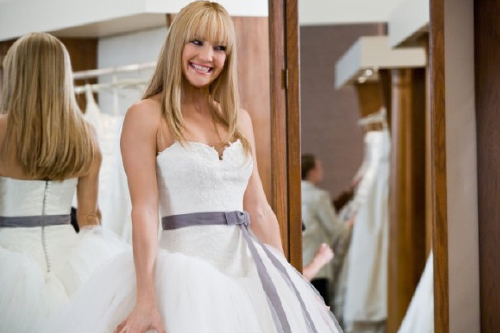 8cf735cf3b694 Film Inspired Wedding Dresses: Kate Hudson in Bride Wars