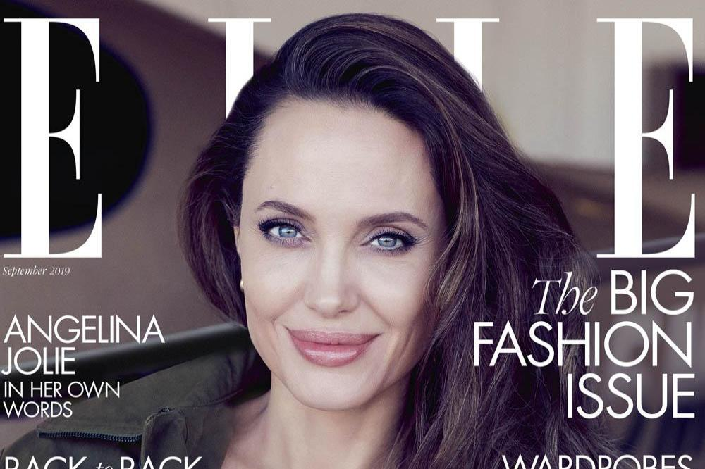 Angelina Jolie encourages daughters to 'develop their minds'