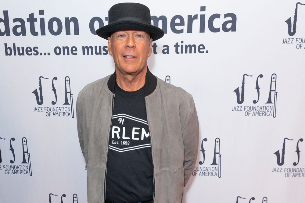 Bruce Willis admits 'error in judgement' after not wearing ...
