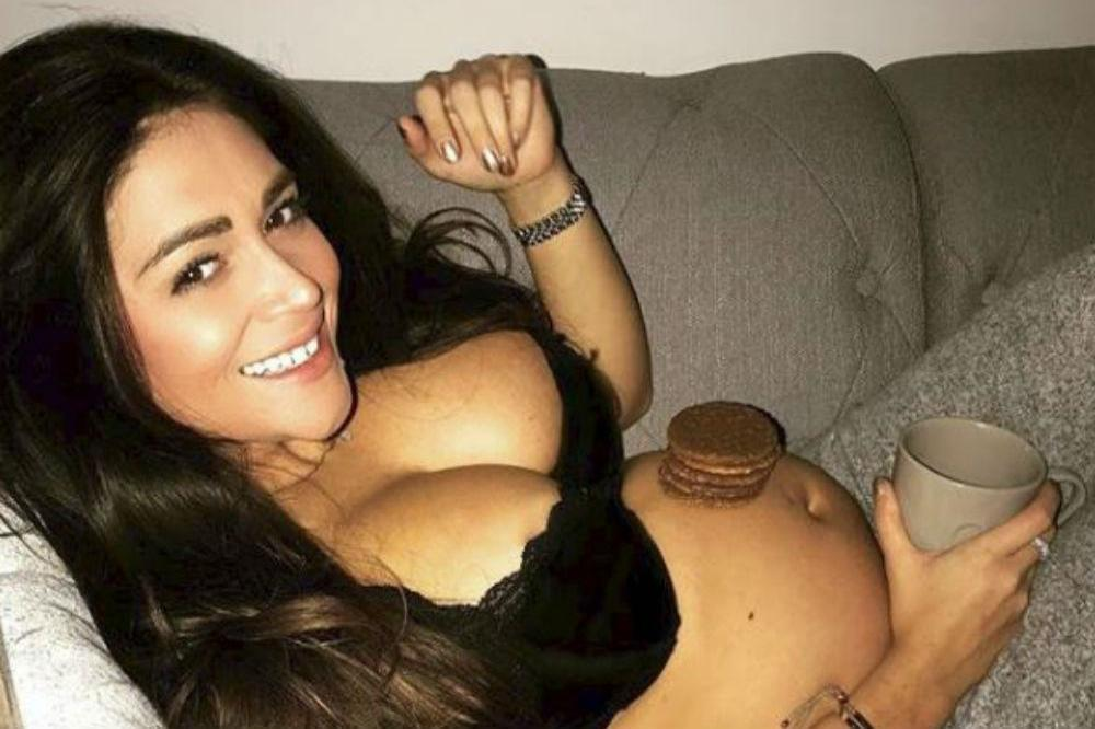 Casey Batchelor (c) Instagram