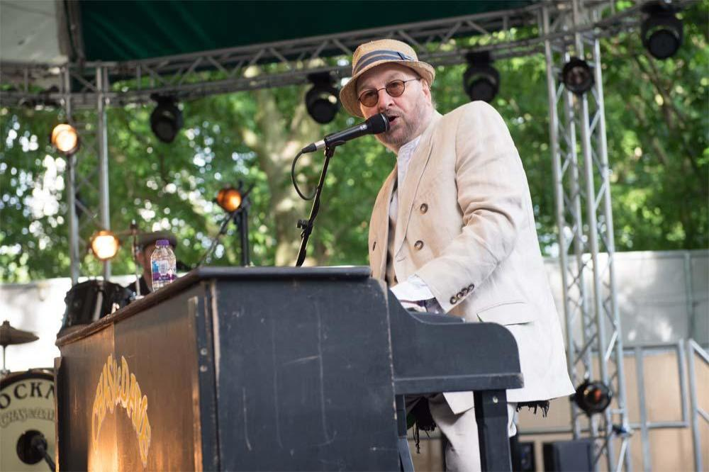 Chas Hodges performing at BST