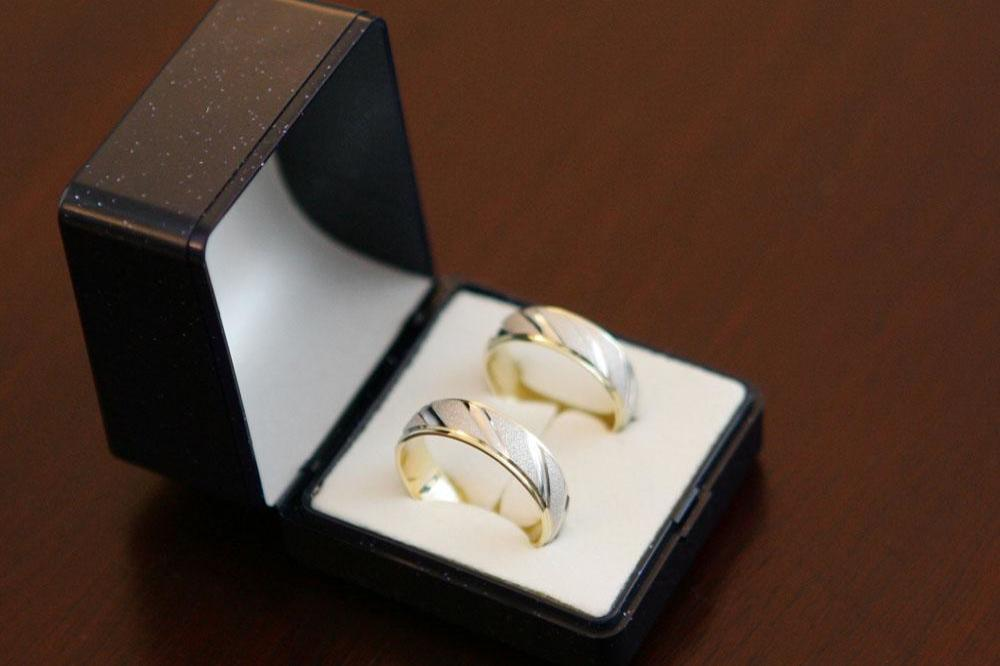 Woman Almost Accidentally Donated 70k Ring To Charity