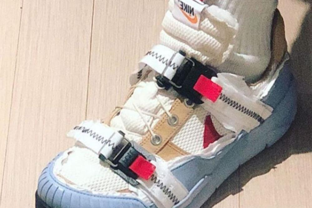 be91f2b95feb Frank Ocean modifies a pair of Tom Sachs Nike trainers