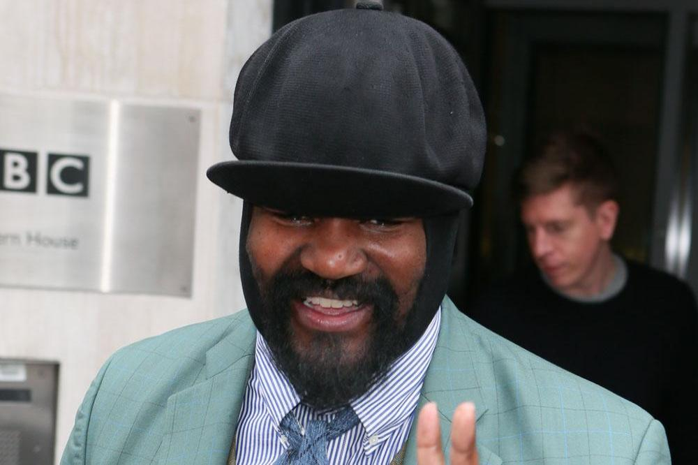 Gregory porter stopped eating before shows to stop stage burps - Gregory porter concert france ...