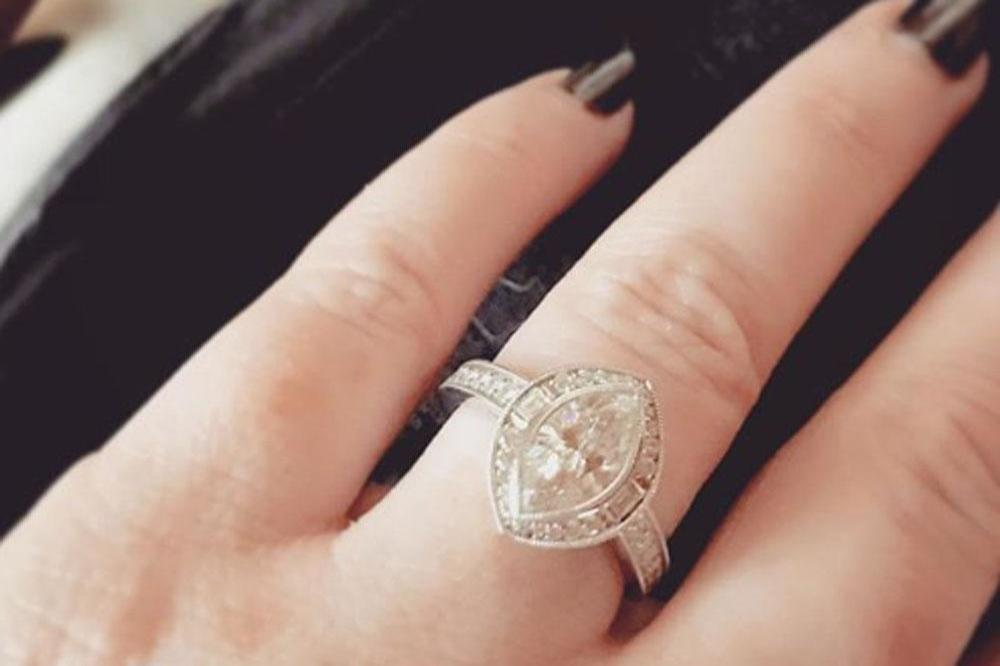 Holly Mary Combs is engaged (c) Instagram