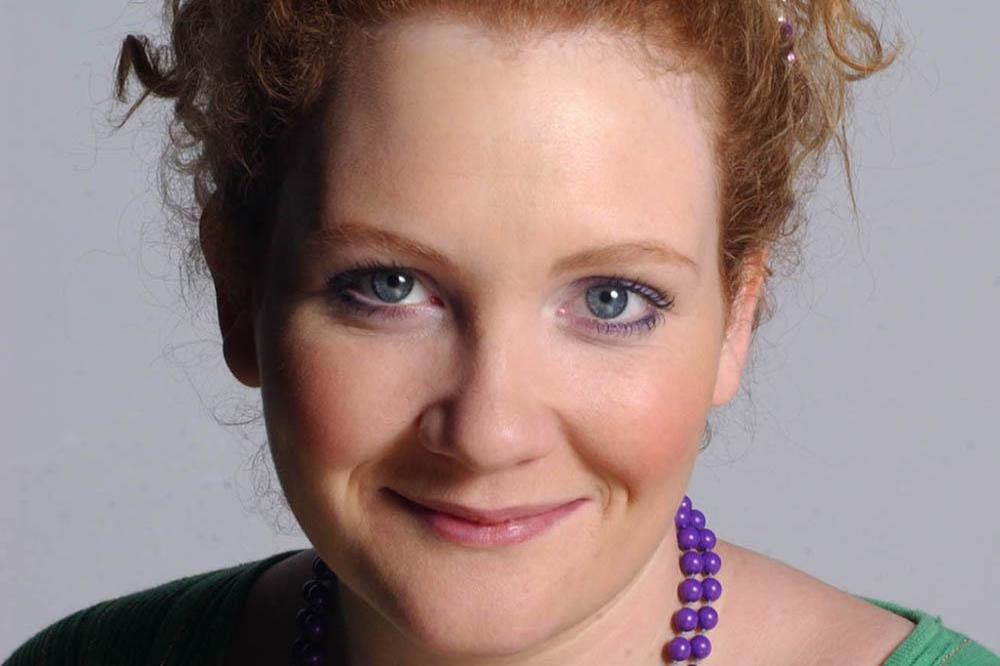 Jennie McAlpine as Fiz Stape