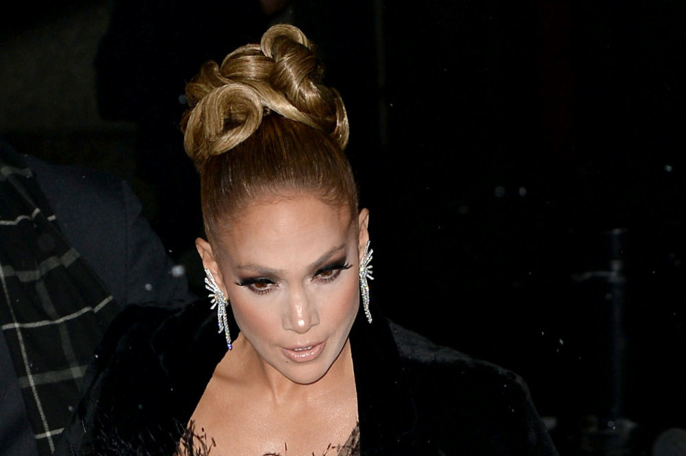 Jennifer Lopez Denies Getting Botox; Says 'That's Just My Face'