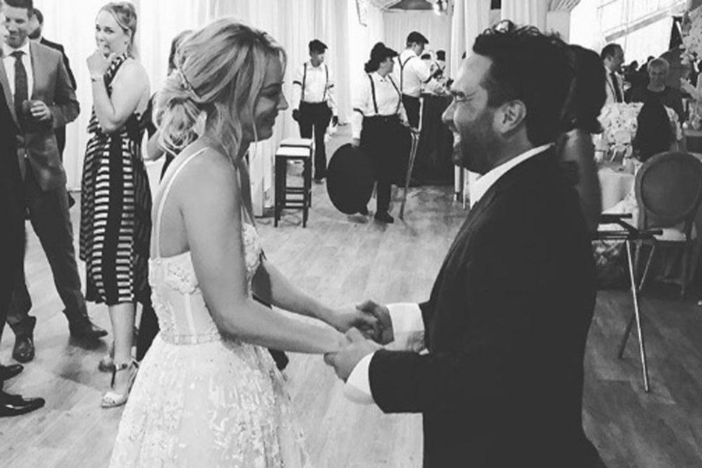 Johnny Galecki gratuliert Kaley Cuoco