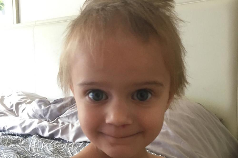 Kerry Katona's daughter cuts hair (c) Instagram
