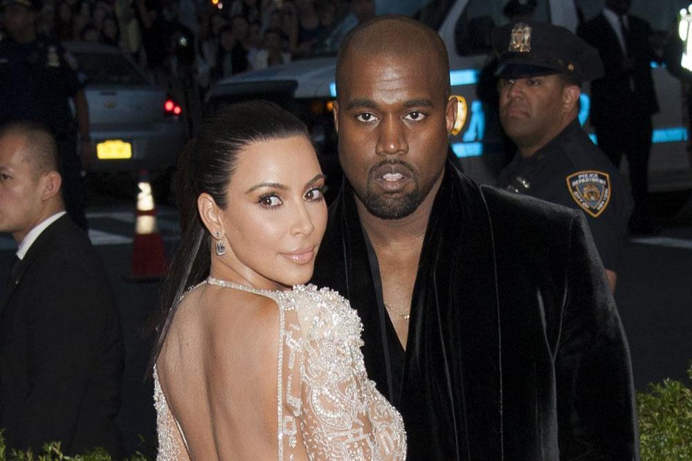 Kim Kardashian dating Kanye West 2011