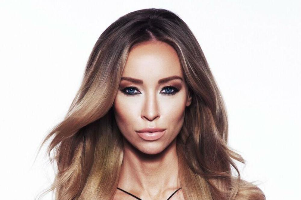 Lauren Pope Plans For Xmas 6 Months In Advance