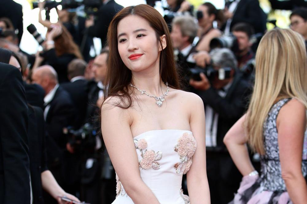 Chinese actress Liu Yifei cast as Disney's Mulan