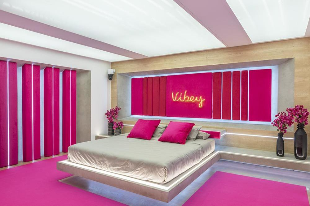 Love Island To See Six New Girls Enter The Villa