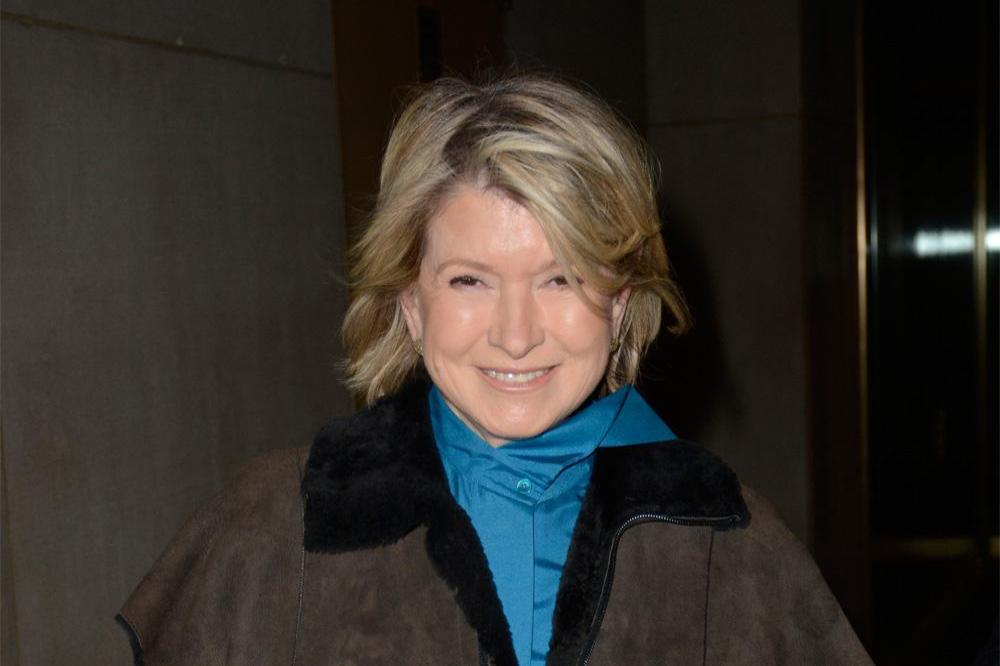 """the dating game martha Martha stewart and dr oz discuss dating apps dr oz introduces a """"he said, she said"""" game to play with martha stewart."""