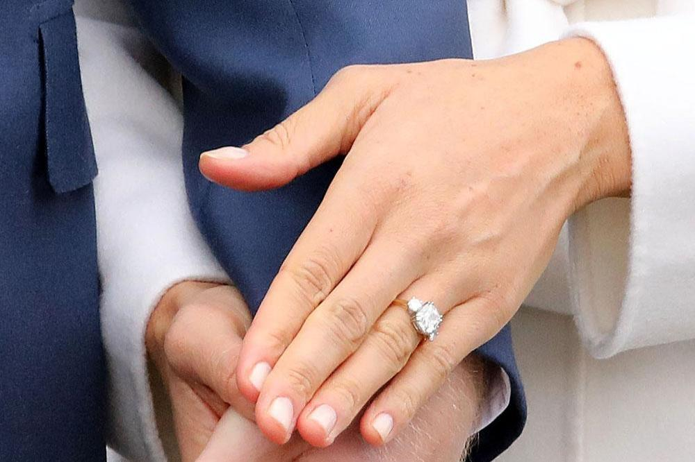 meghan markles ring has princess dianas diamonds
