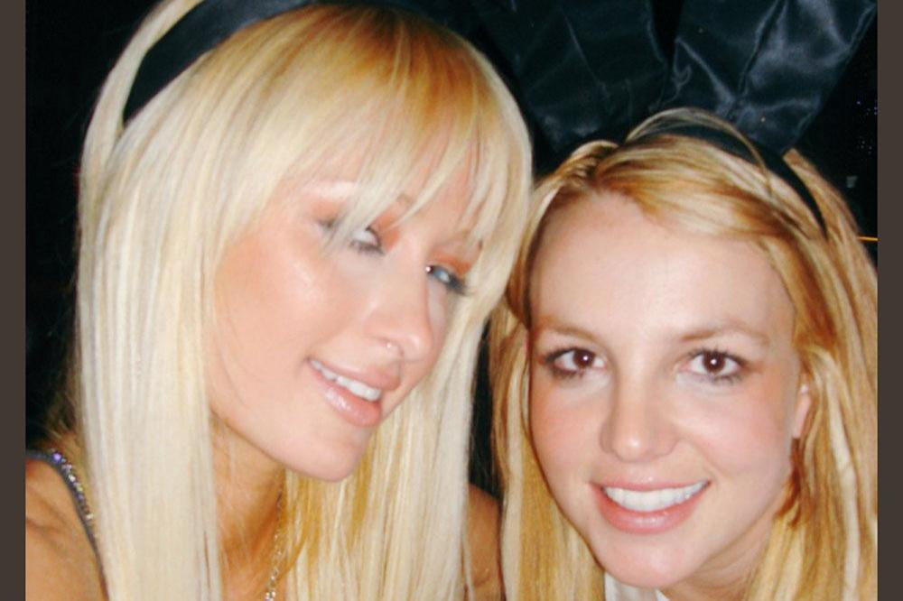 Paris Hilton with Britney Spears (c) Twitter